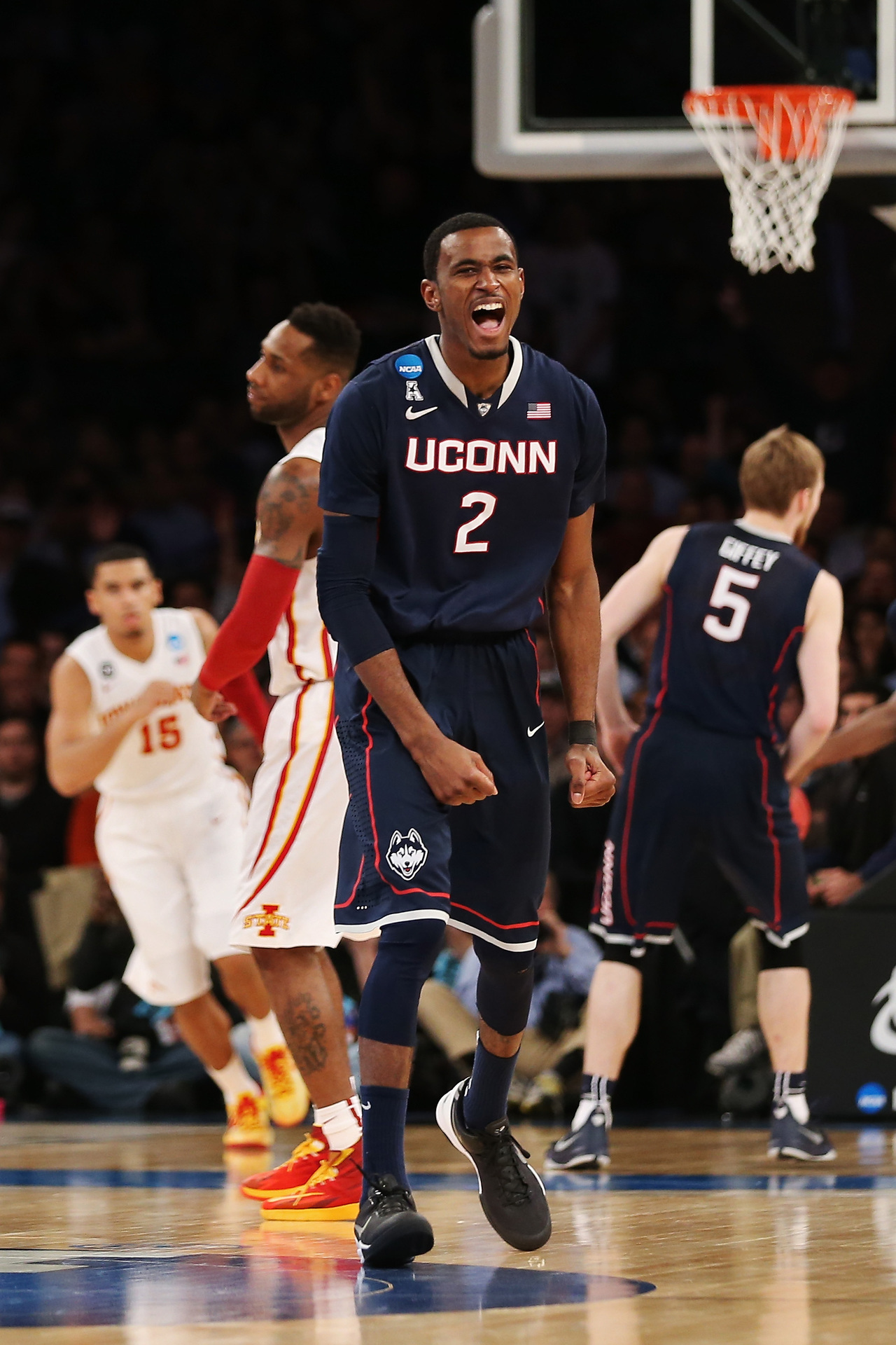 DeAndre Daniels, Connecticut Huskies