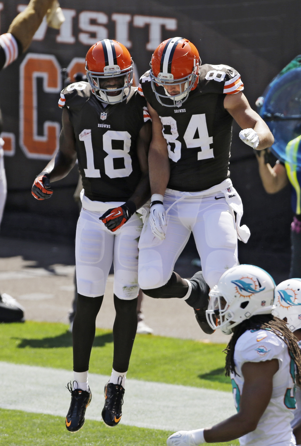 Dolphins 23, Browns 10