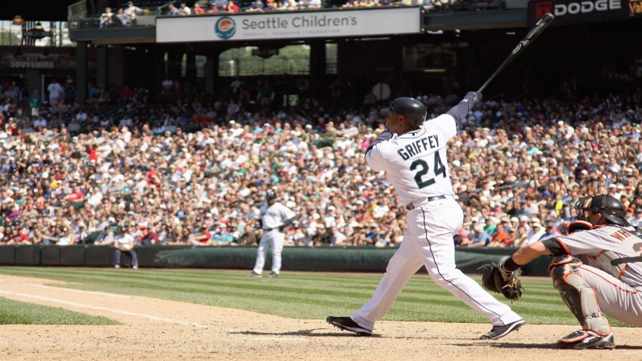 38f7134547 Johnny Bench: Reds bringing in Ken Griffey Jr. 'like second coming of God'  | NBC Sports
