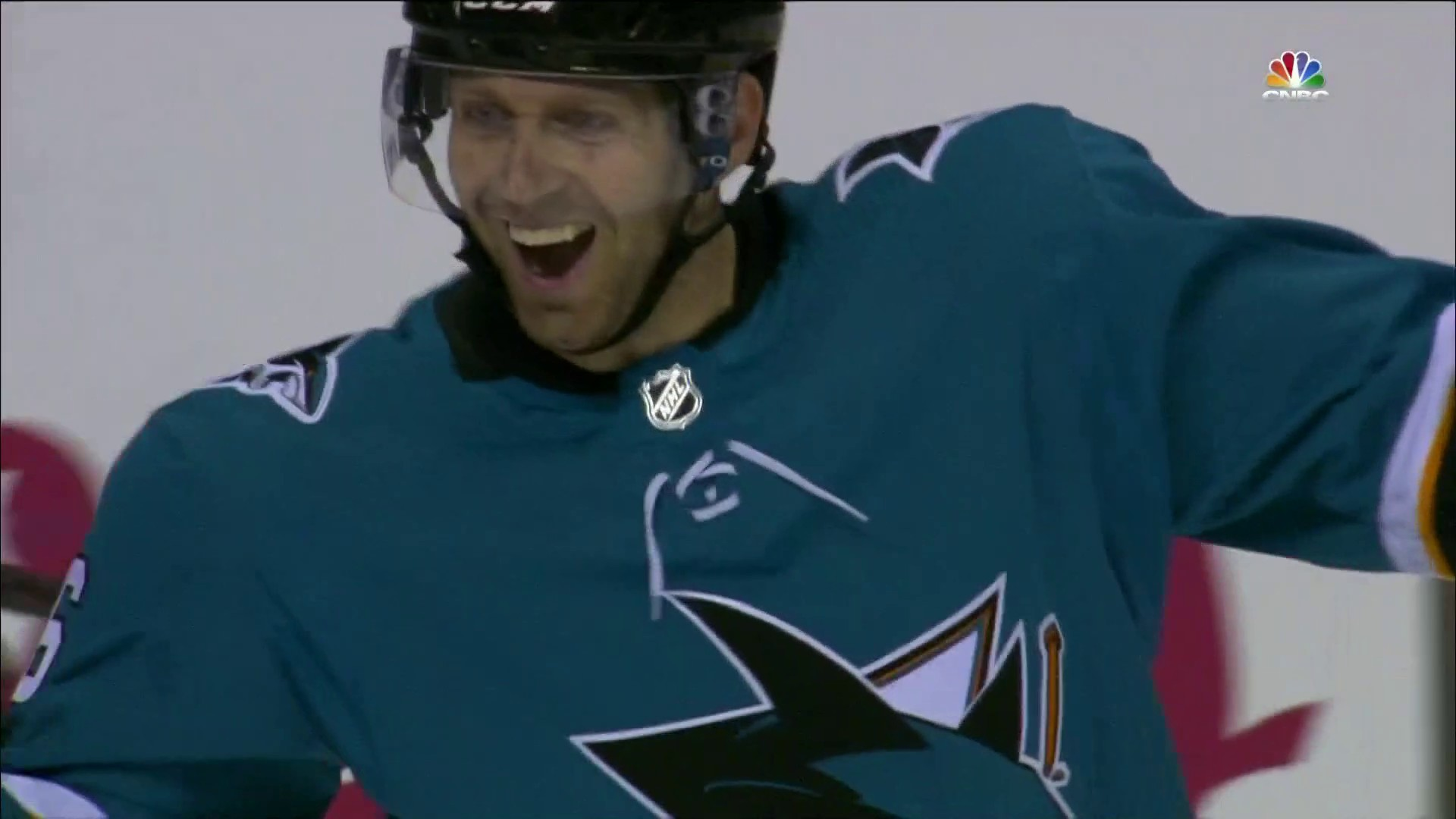 3e38d987649 Sharks  Eric Fehr extends lead to 4-1 over Ducks in Game 3