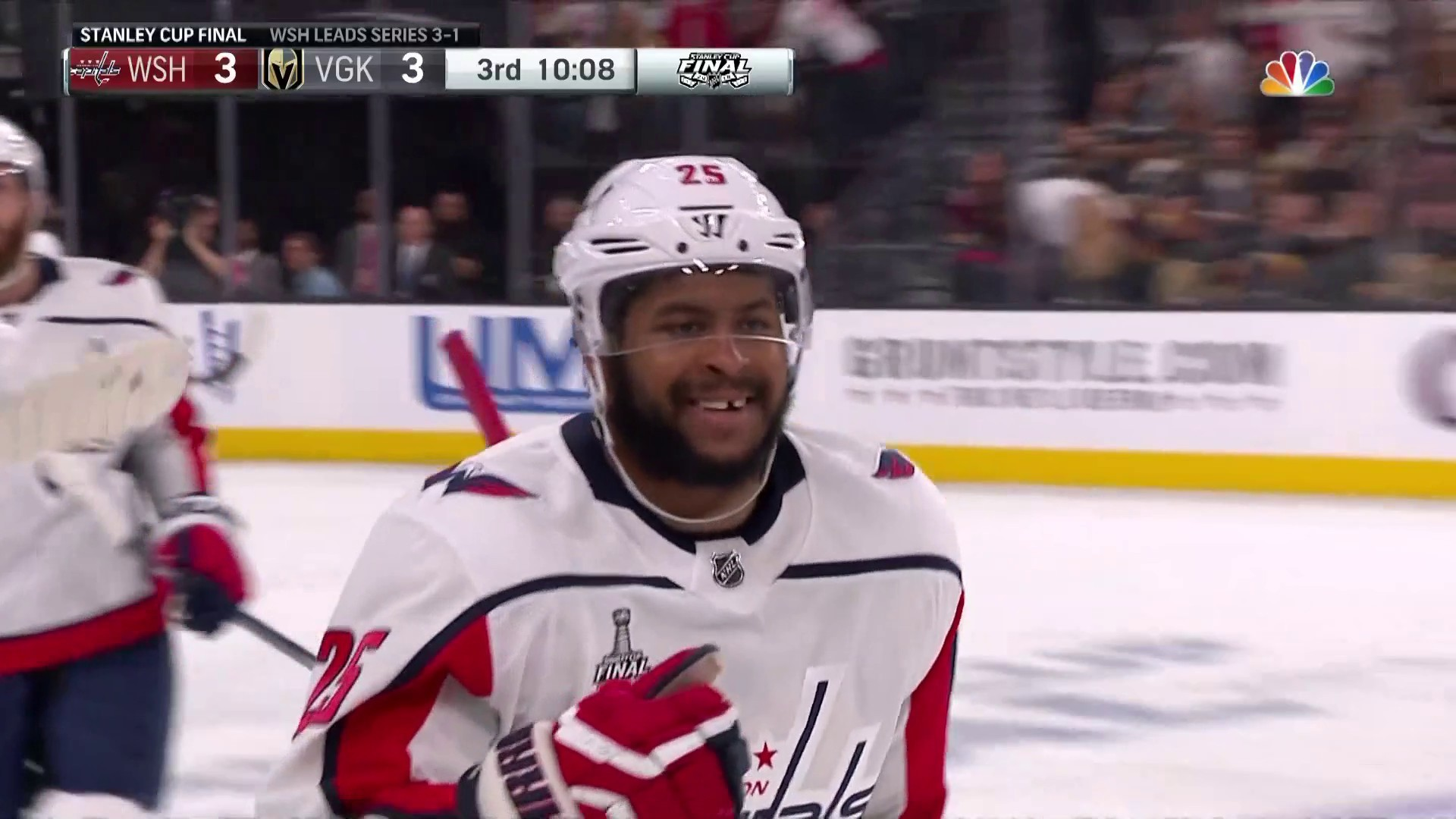 Capitals even score on Devante Smith-Pelly s incredible lunging goal ... c0baf3752952