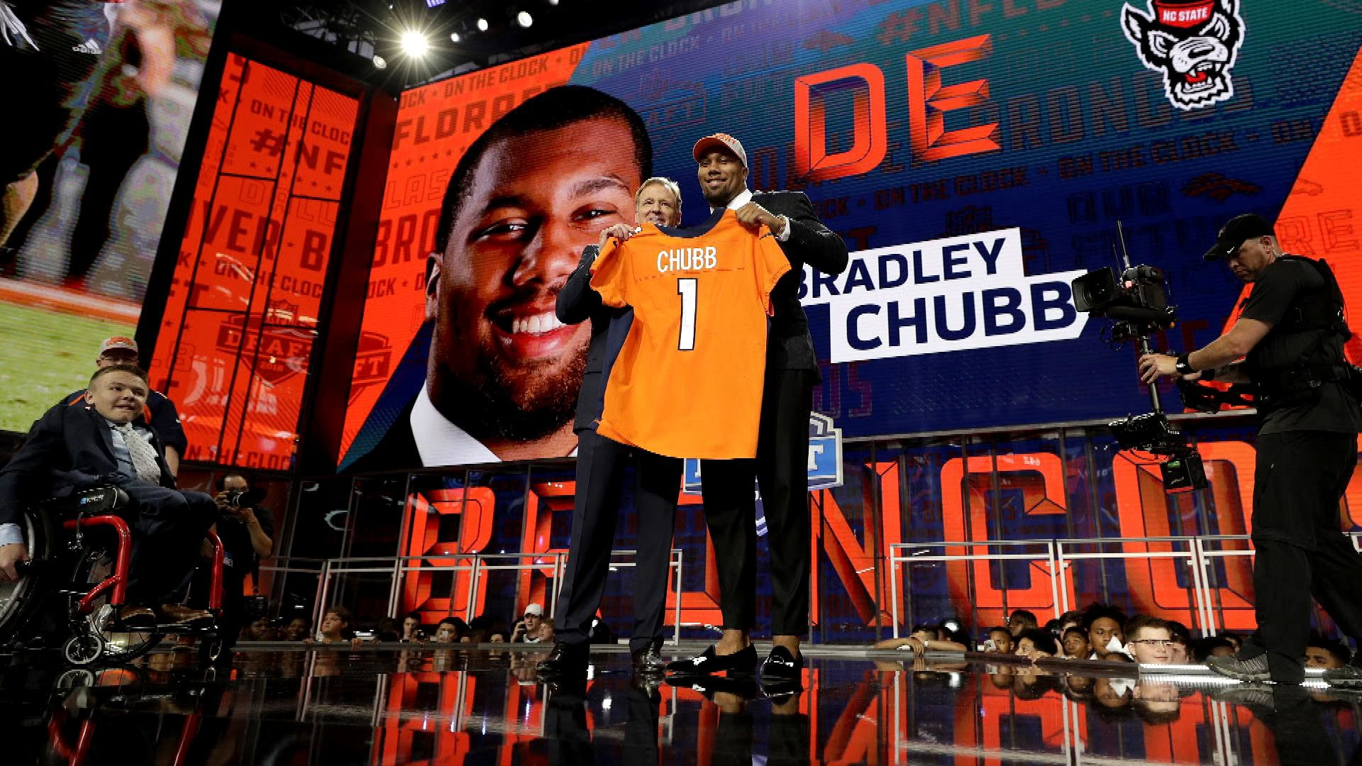 Denver Broncos Sign Top 10 Draft Pick Bradley Chubb To A Rookie Deal Goggle Snail Mx 18 Revo Red Nbc Sports