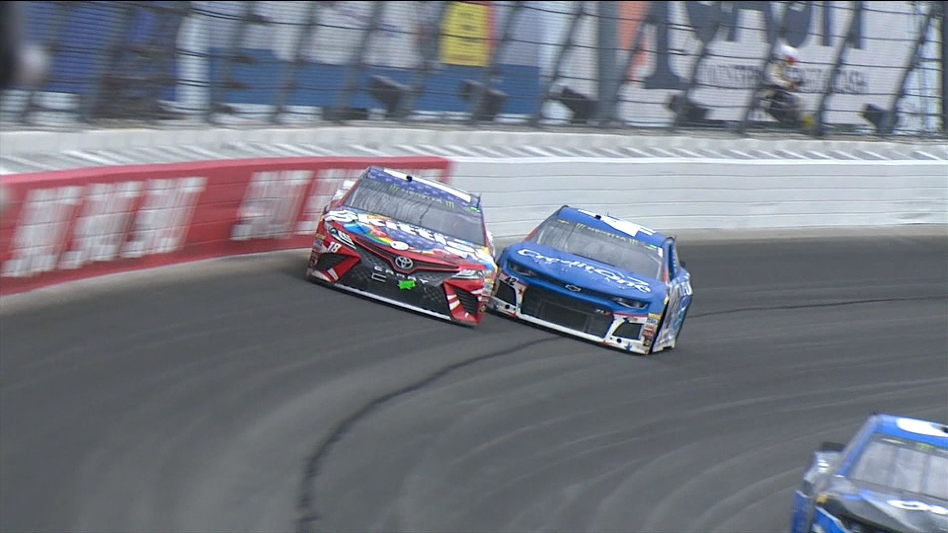 Kyle Busch Larsons NASCAR Finish For The Ages At Chicagoland