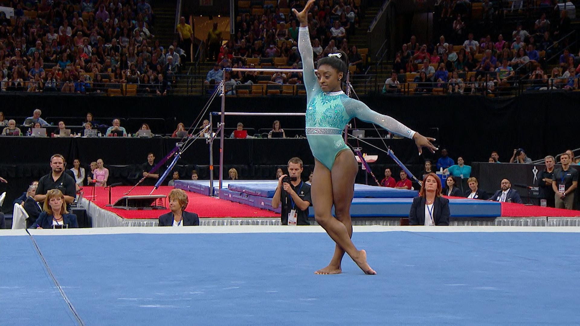 Simone Biles floor routine on Day 2 of