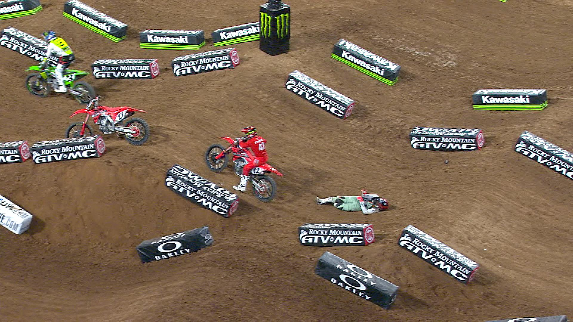 Malcolm Stewart Flips Over Bars In Crash In 450 Main Event