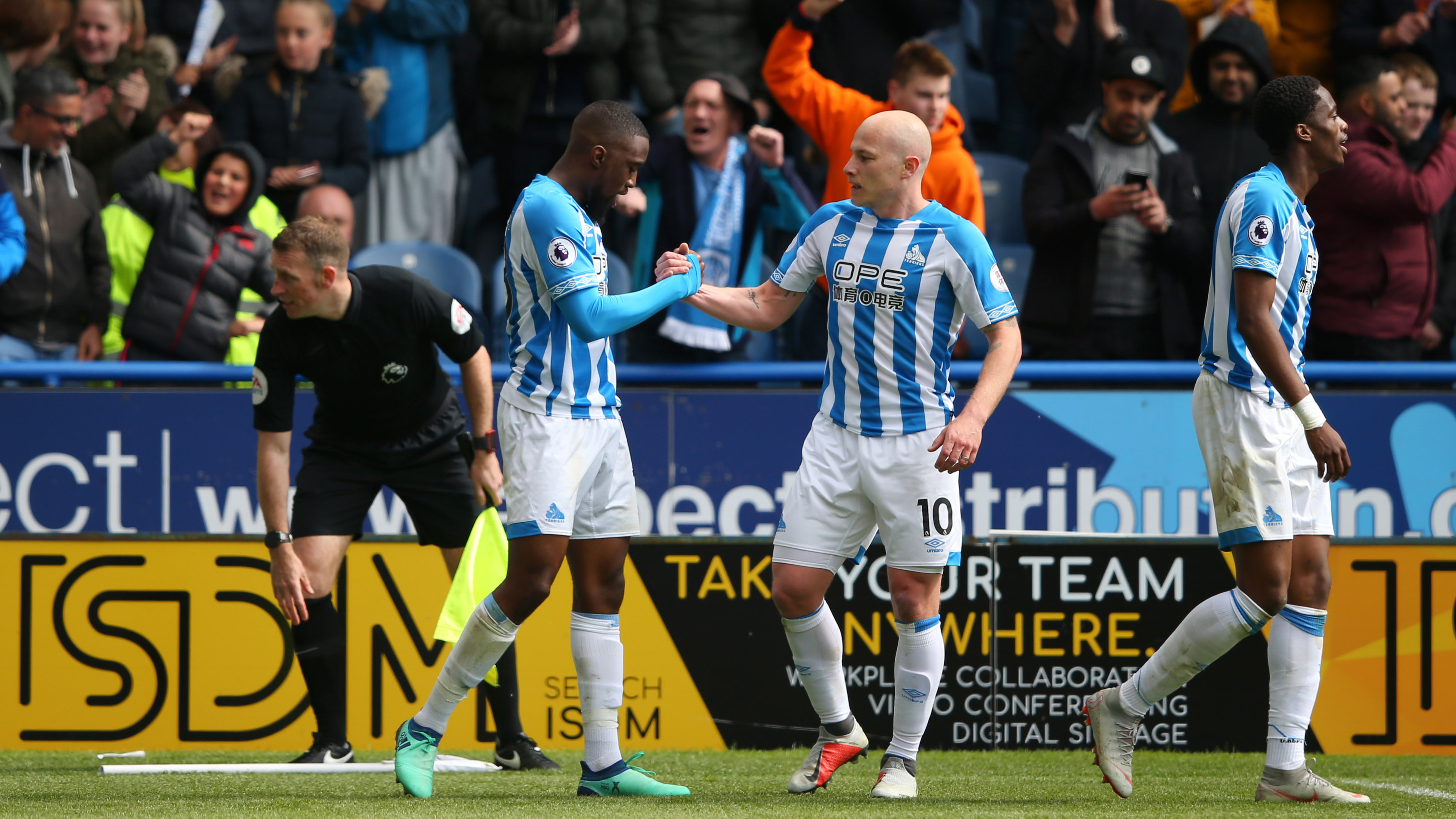 court huddersfield continue revival - HD3359×2239