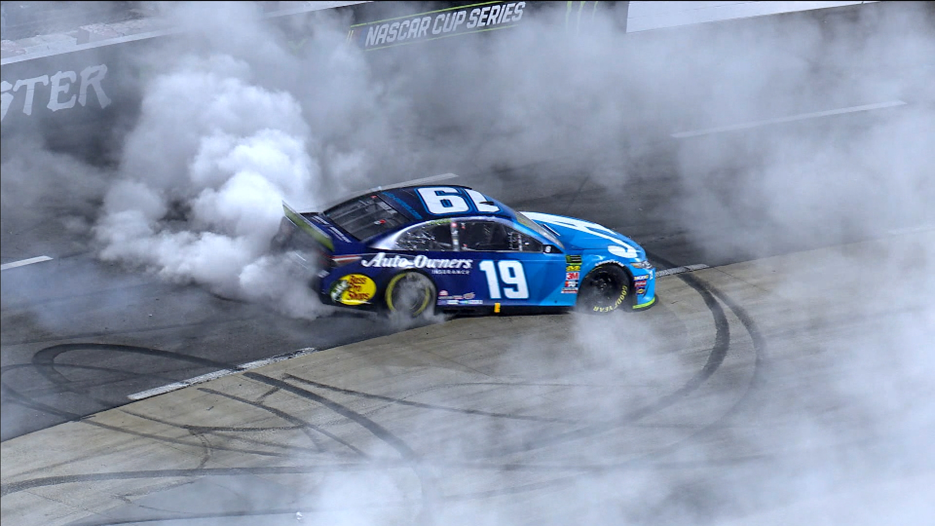 Martin Truex Jr., Kevin Harvick's extra time to prepare for