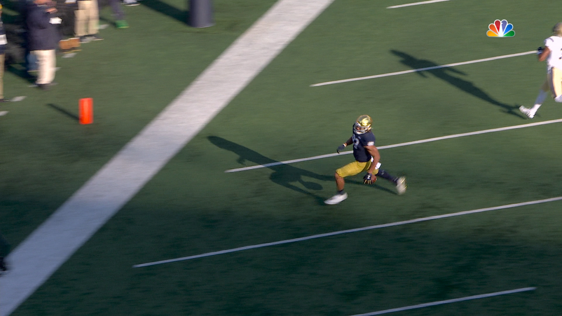 Notre Dame's Ian Book finds Chase Claypool giving Irish 14-0 lead