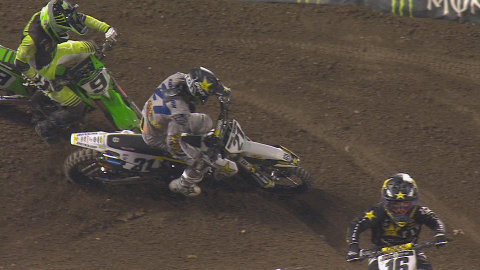 Highlights: Eli Tomac holds on to win 450 in Anaheim