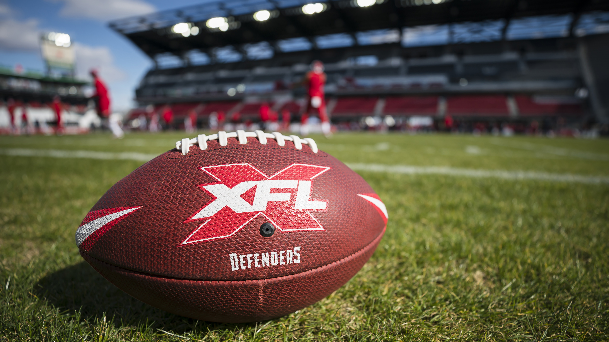 XFL draws good opening weekend ratings, but needs star playe