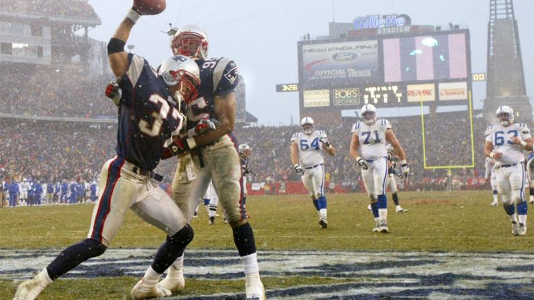 2004: Patriots 24, Colts 14