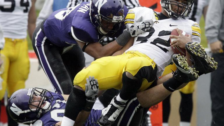 Northwestern 21, No. 13 Iowa 17