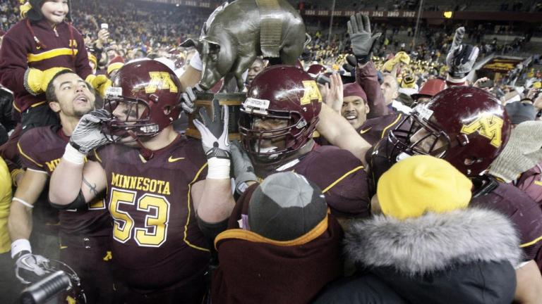 Minnesota 27, No. 24 Iowa 24