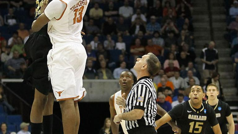 No. 4 Texas 85, No. 13 Oakland 81