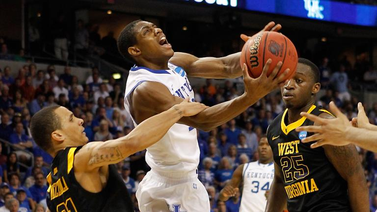 No. 4 Kentucky 71, No. 5 West Virginia 63