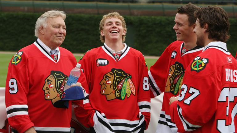 Former Chicago Blackhawks player Bobby Hull has a laugh with current  Blackhawks Patrick Kane e23159875