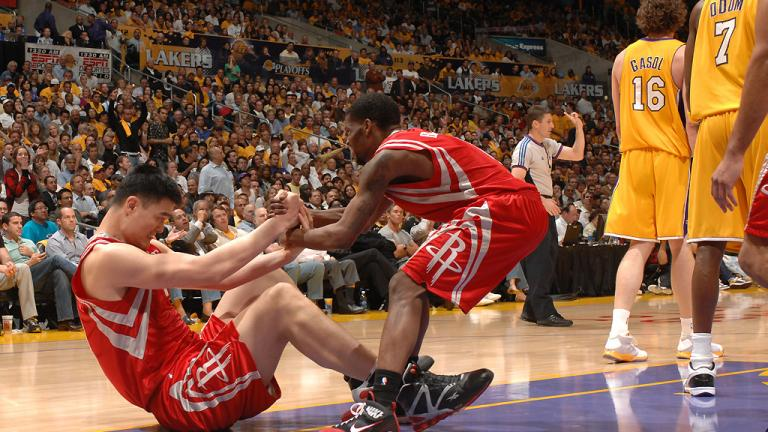 Game 1: Rockets 100, Lakers 92