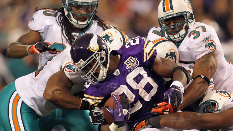 Dolphins 14, Vikings 10