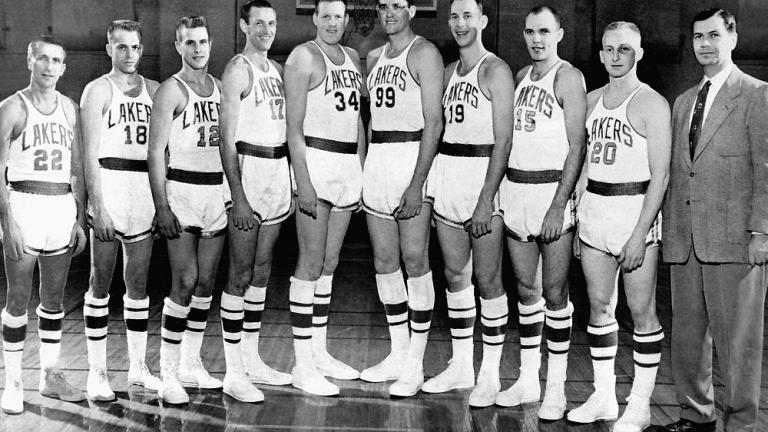 1954: Lakers 87, Nationals 80