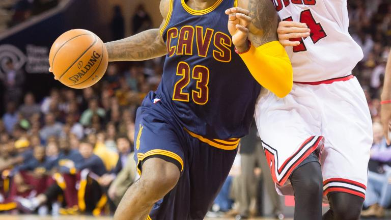 LeBron's triple-double leads Cavaliers past Bulls