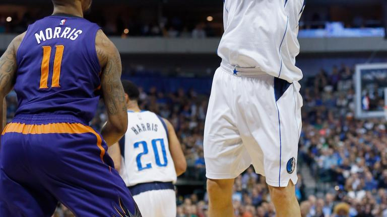 Mavericks eliminate Suns from playoff contention