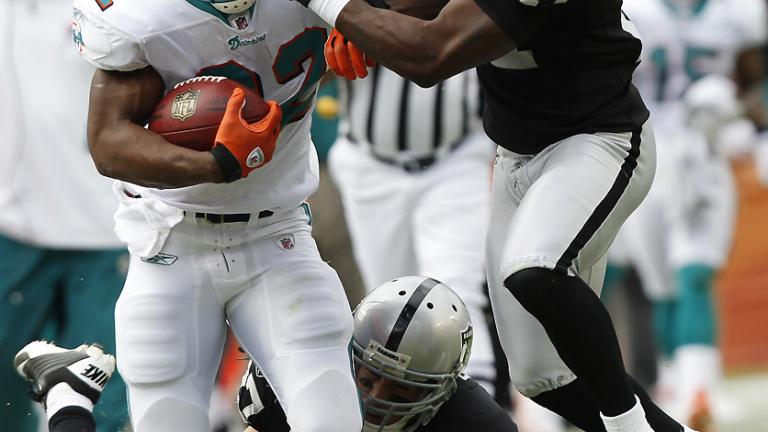 Dolphins 34, Raiders 14
