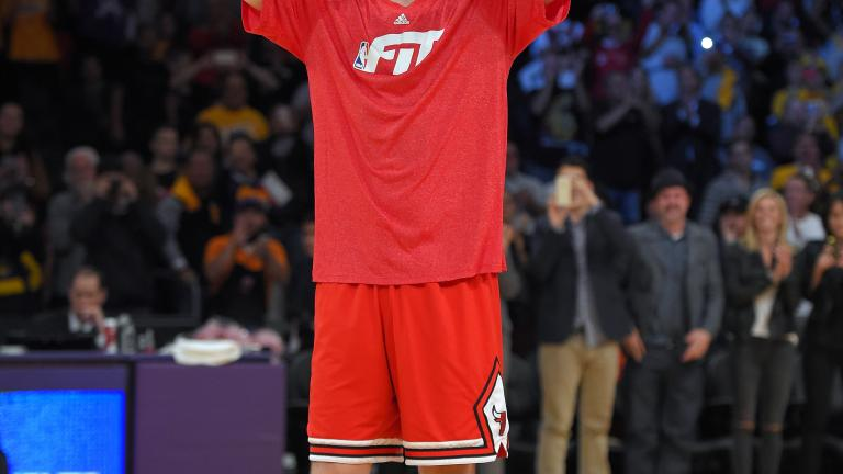 Lakers beat Bulls in double-overtime, spoil Pau Gasol's homecoming