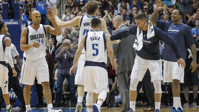 Mavericks top Clippers in dominating fashion