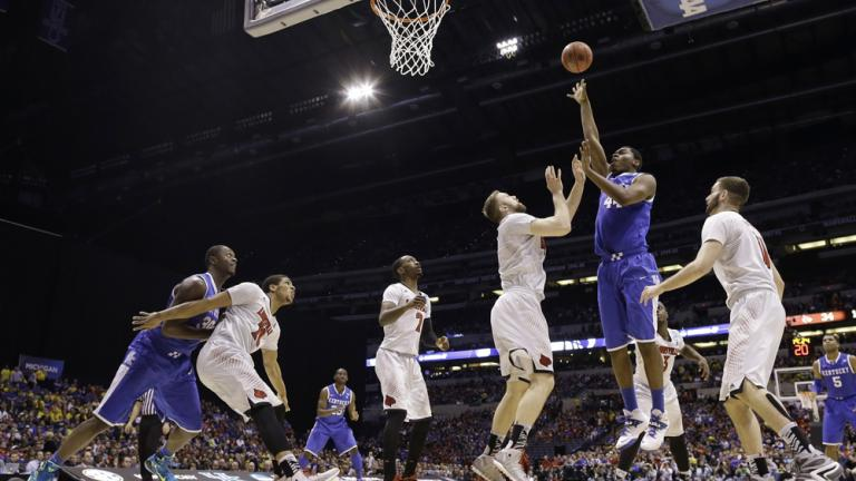 Sweet 16: (8) Kentucky 74, (4) Louisville 69