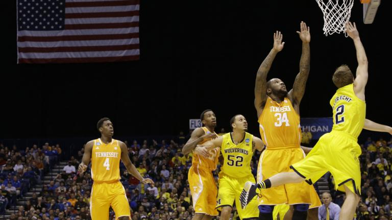Sweet 16: (2) Michigan 73, (11) Tenneessee 71