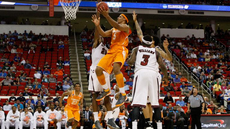 Second Round: (11) Tennessee 86, (6) UMass 67