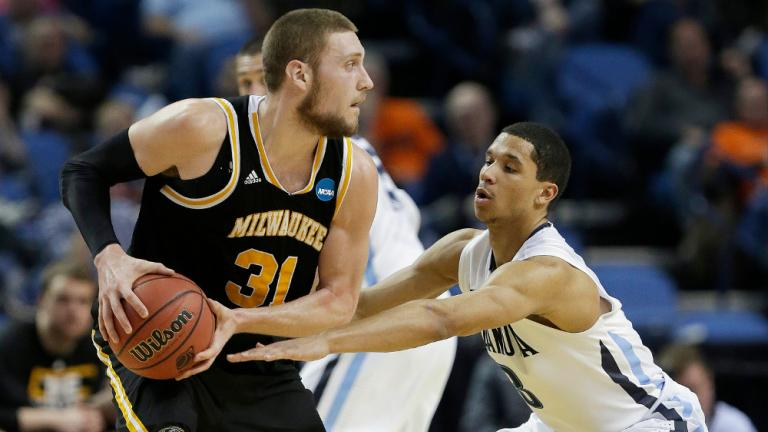 Second Round: (2) Villanova 73, (15) Milwaukee 53
