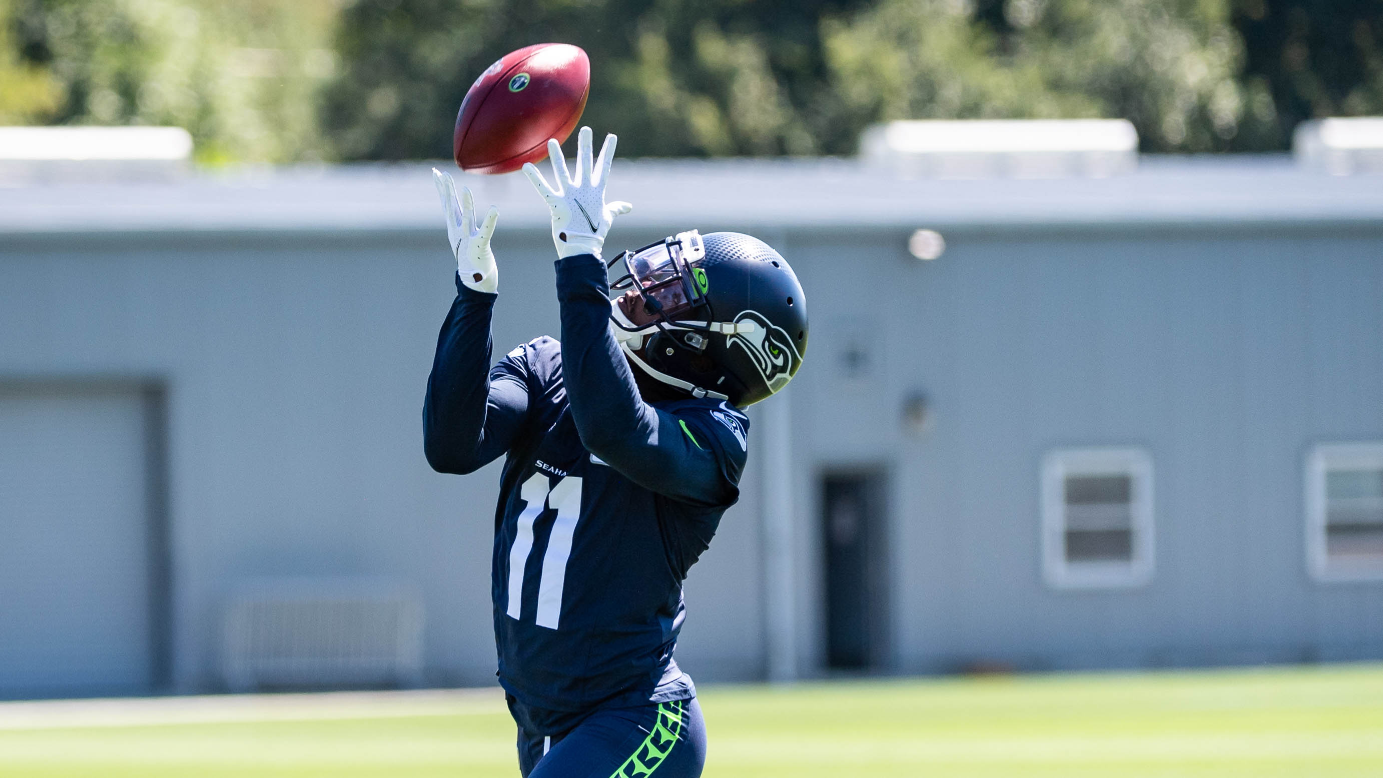 Seahawks WR Phillip Dorsett placed on IR as he deals with ongoing foot injury