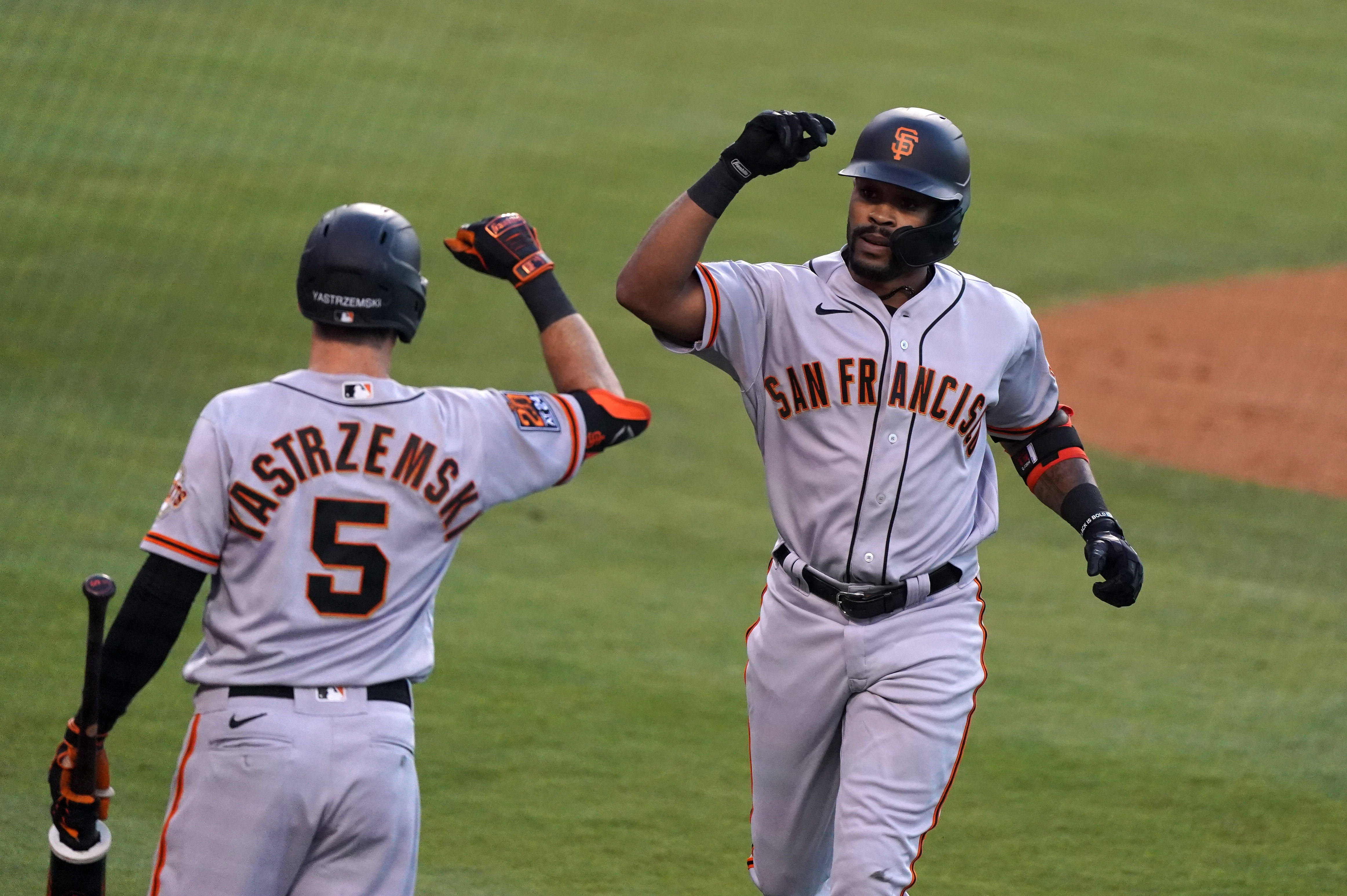 As Giants outfielders go down, why isn't Jaylin Davis back on the roster?