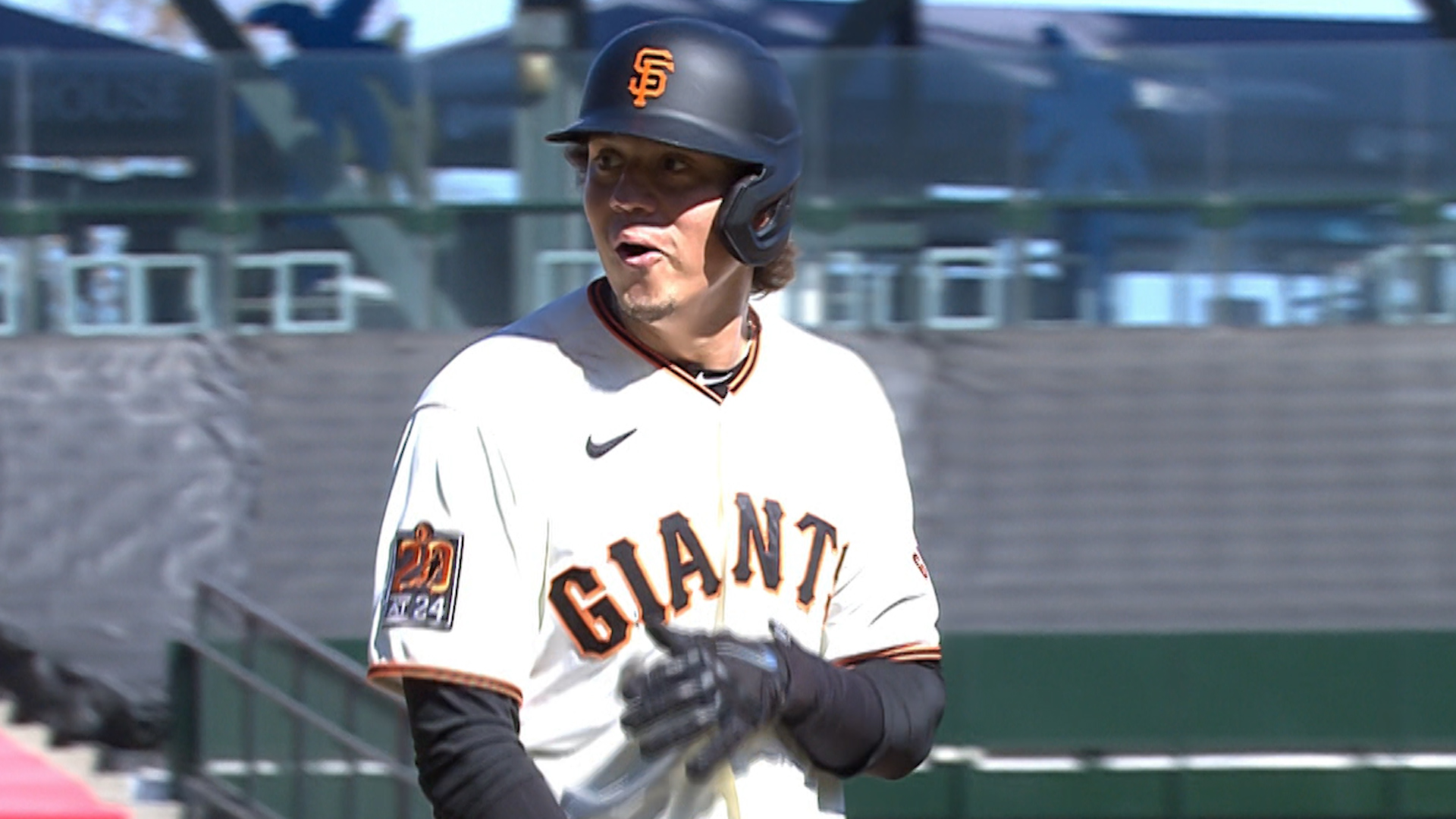 Flores hits go-ahead triple, Anderson ejected in Giants' win