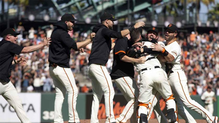 MLB Twitter reacts to Giants clinching NL West division title   RSN