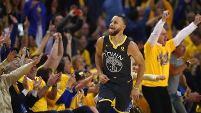 What a return! Curry comes off bench, leads Warriors past Pels in Game 2