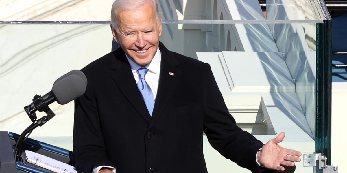 What stewardess told Sharks about sharing plane with President Biden