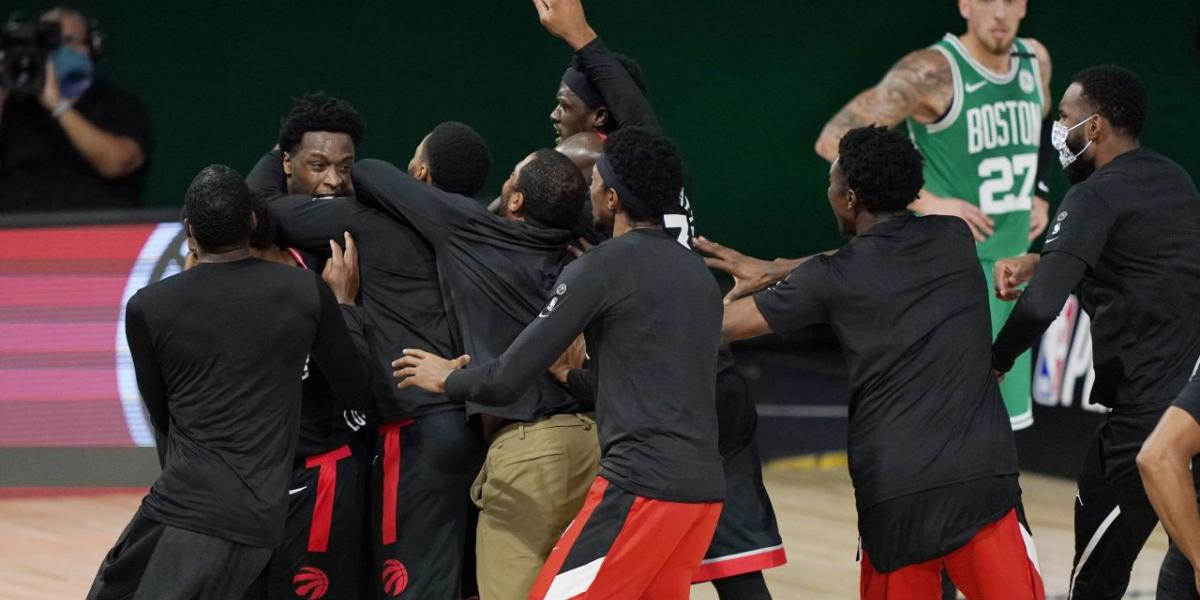 How NBA stars reacted to crazy Celtics-Raptors Game 3 finish on Twitter
