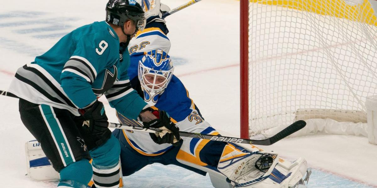 Kane scores twice on three-year anniversary of Sharks debut
