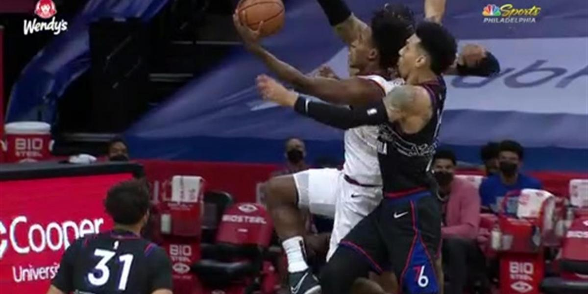 Highlights: Danny Green says NOPE to Cavaliers' Collin Sexton at the rim