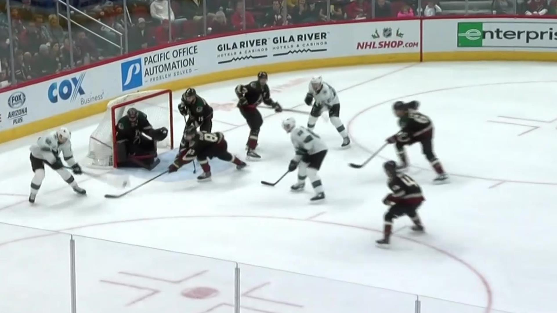 Lukas Radil puts Sharks in front with his 1st career NHL goal vs. Coyotes