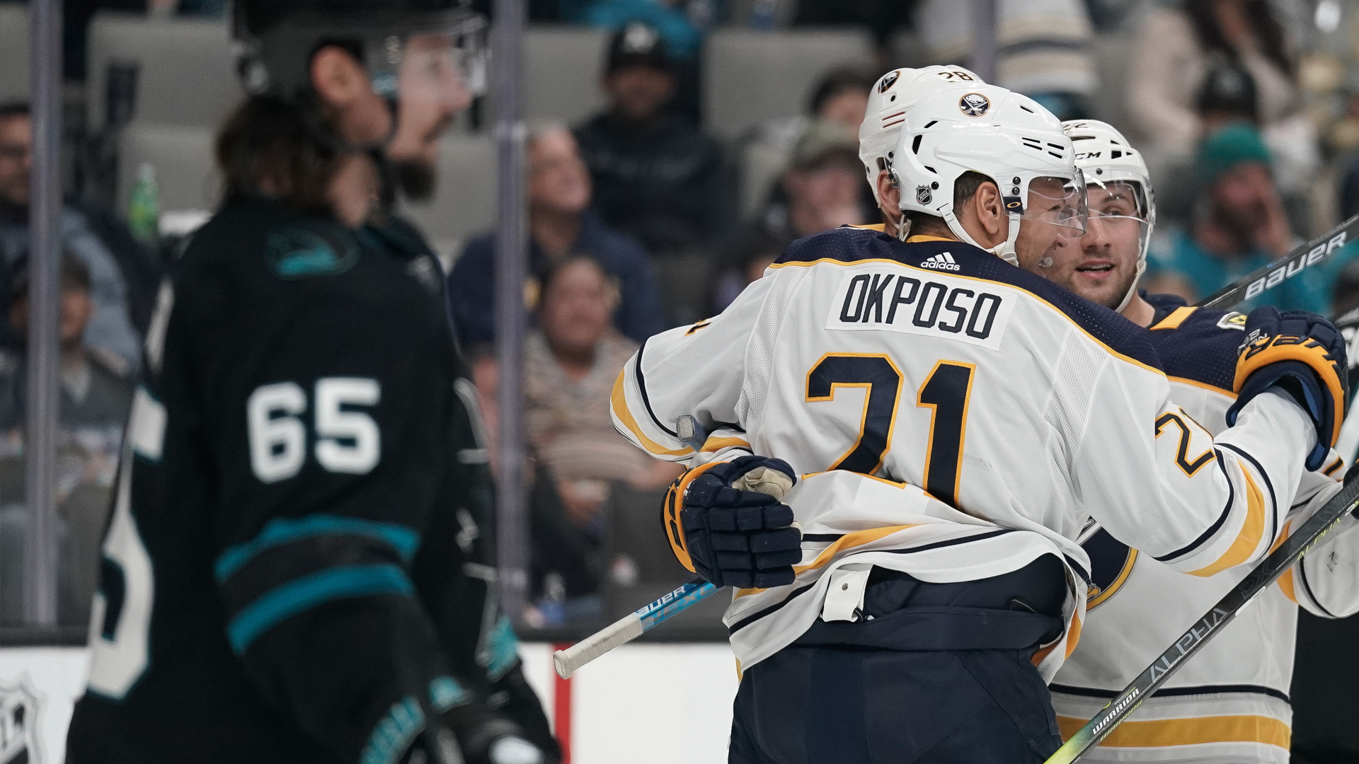 Sharks' three-game winning streak ends with tough 4-3 loss to Sabres
