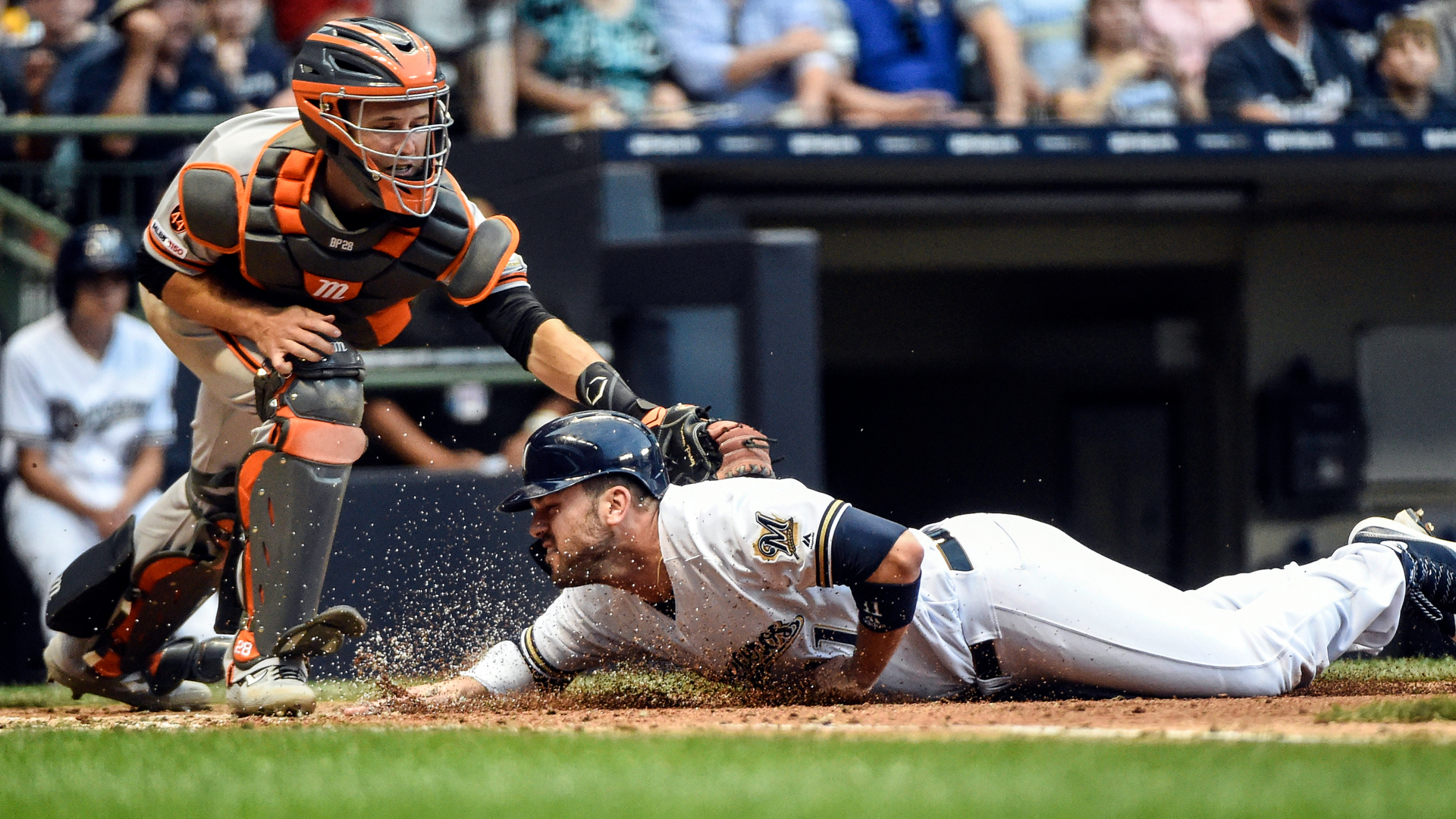Giants execute incredible relay to nail Brewers' Mike Moustakas at