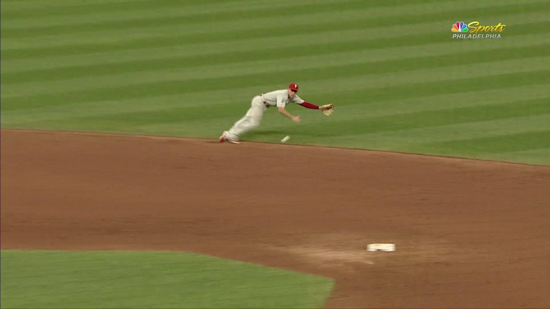 Scott Kingery sells out to make spectacular play at shortstop