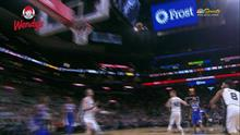 Jimmy Butler cuts back door for the 2 hand alley-oop slam against the Spurs
