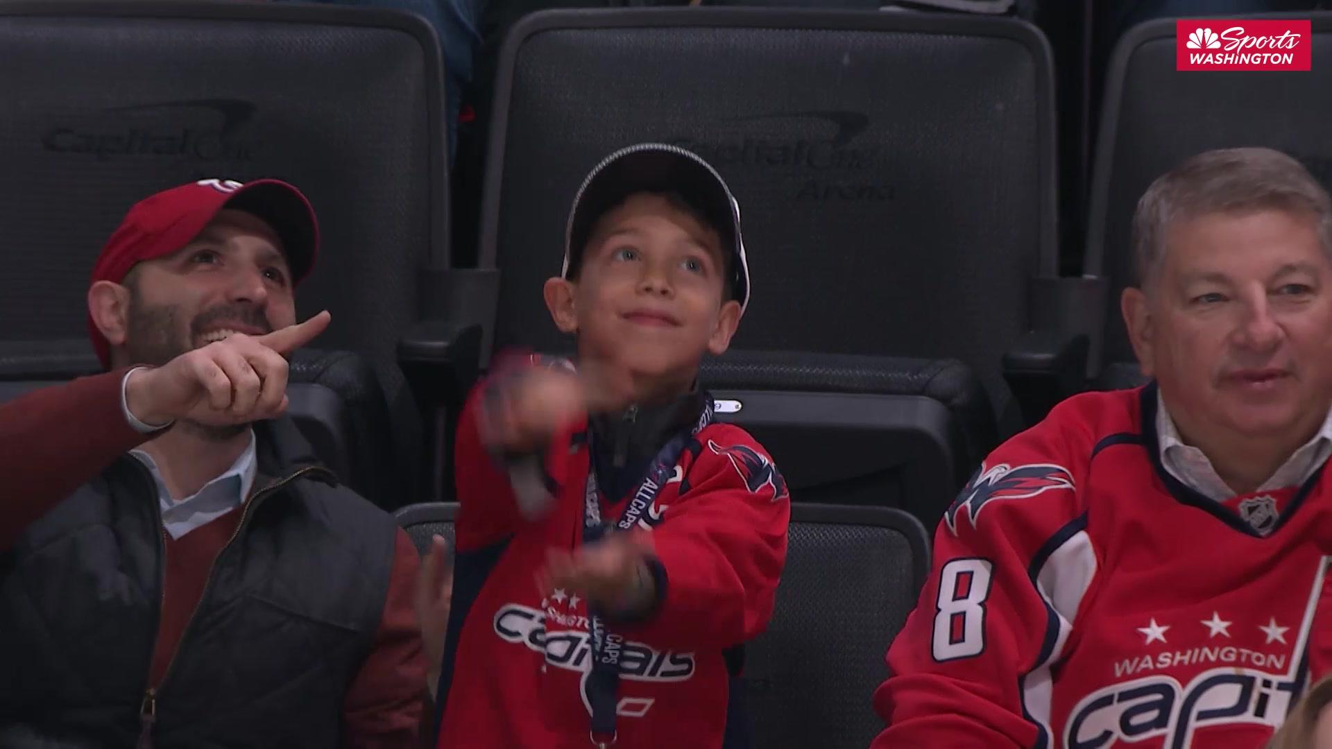 Capitals fans chomp along to 'Baby Shark' around Capital One Arena